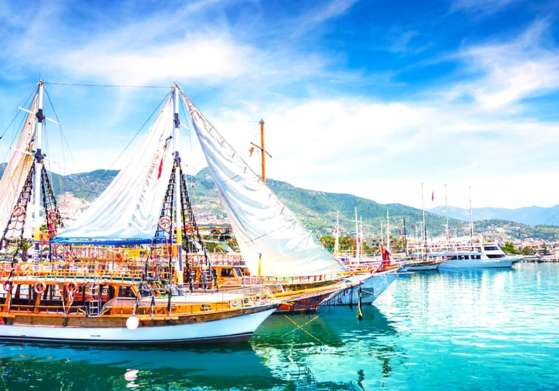 Alanya Harbour and boat tours