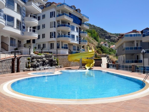 Luxury apartments with sea and mountain views in Alanya