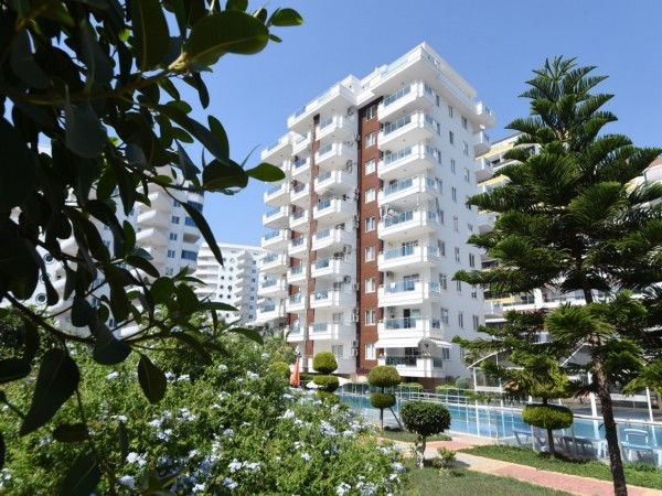 Very spacious 3 bedrooms apartment in gated residential complex in Alanya