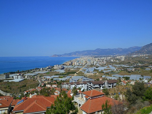 Beautiful semi detached villa with fantastic views in prime location