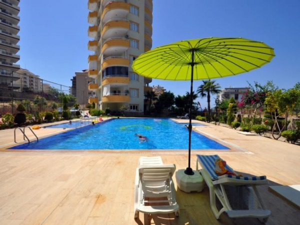 Good quality 2 bedroom with large living surface in Alanya