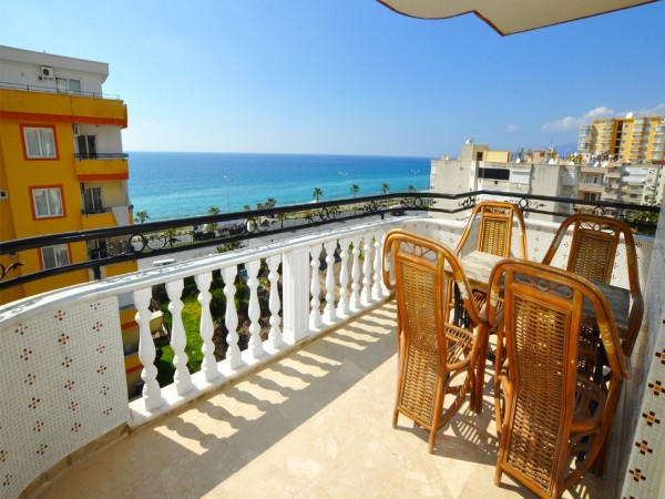 Affordable 4 bedroom apartment with superb views in Alanya