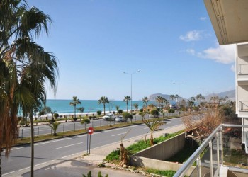 Beautiful beachfront 2 bedroom apartment for sale in Alanya