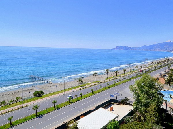 Very special 1 bedroom apartment with amazing views in Alanya