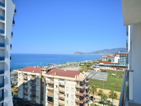 Cozy 2 bedroom apartment close to the beach for sale in Alanya
