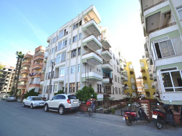 Best bargain 1 bedroom apartment centrally located for sale in Alanya