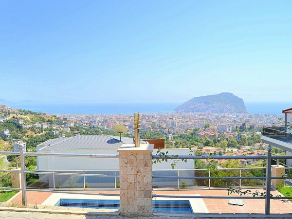 Magnificent 4 bedroom private villa with amazing views in Alanya