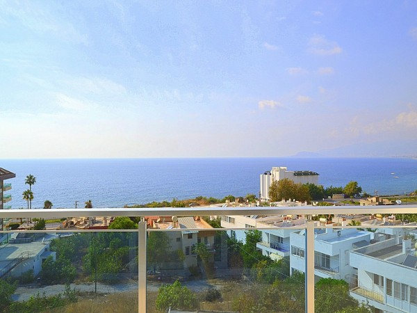1 Bedroom apartment with superb sea views for sale in Alanya