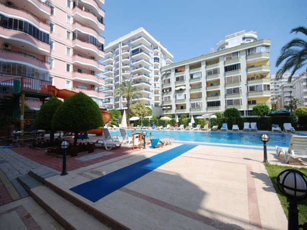 Large 2 bedroom fully furnished centrally located apartment in Alanya
