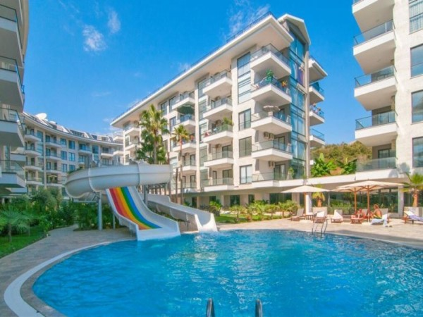 Exclusive 3 bedroom apartment in modern complex for sale in Alanya