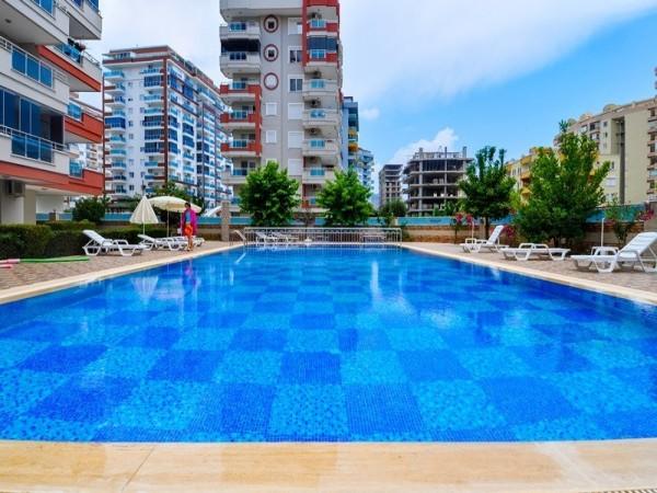 1 Zimmerwohnung mit sehr großer Wohnfläche zu verkaufen in Mahmutlar