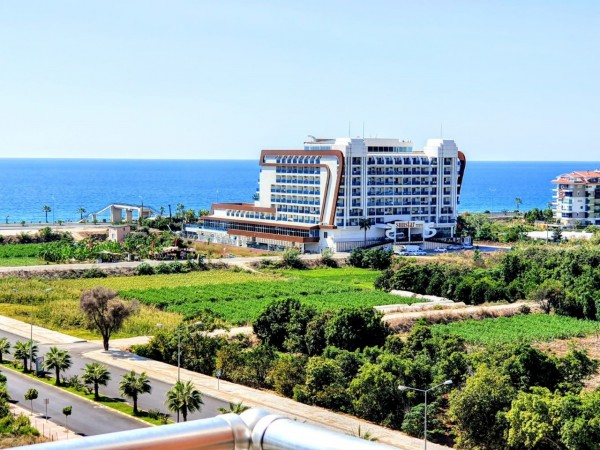 Superb 1 bedroom apartment with amazing views for sale in Alanya