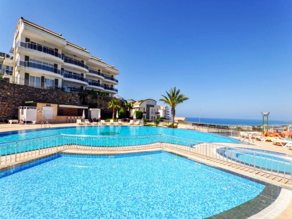 Comfortable fully furnished 2 bedroom apartment for sale in Alanya