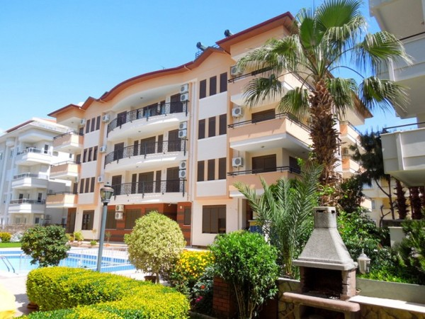 Spacious downtown 2 bedroom apartment for sale in Alanya