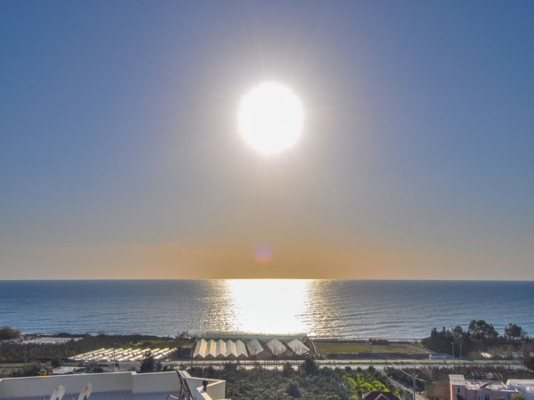 Cozy 1 bedroom with stunning sunset views for sale in Alanya