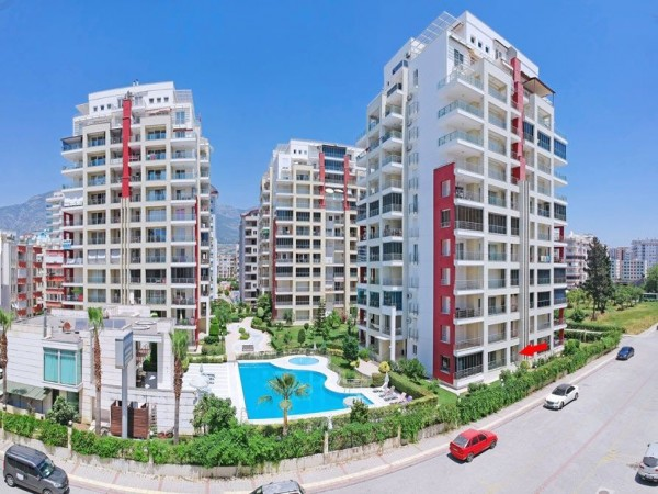 Very special 2 bedroom fully furnished apartment for sale in Alanya