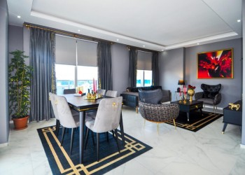 Very spacious and elegant 3 bedroom penthouse for sale in Alanya