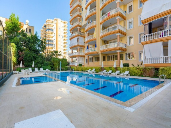 Centrally located and very large furnished 2 bedroom for sale in Alanya