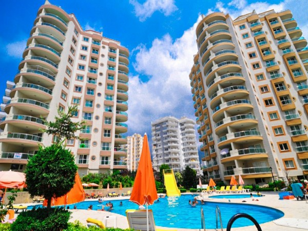 Very nicely furnished elegant 2 bedroom apartment for sale in Alanya