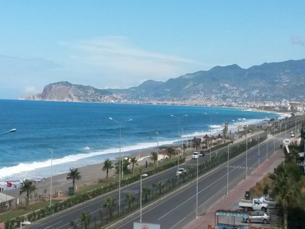Beachfront 2 bedroom with magnificent views for sale in Alanya