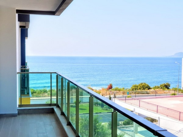 1 bedroom apartment with fantastic sea views for sale in Alanya