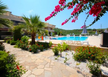 Beautifully furnished 3 bedroom apartment with magnificent views in Alanya