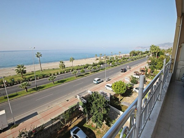 Unique beachfront apartment with under market selling price in Alanya
