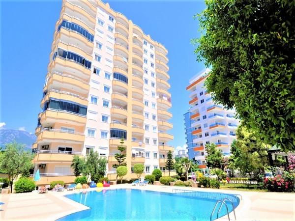Tastefully furnished 2 bedroom apartment for sale in Alanya