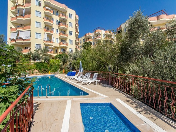 Admirable 2 bedroom apartment in well established complex in Alanya