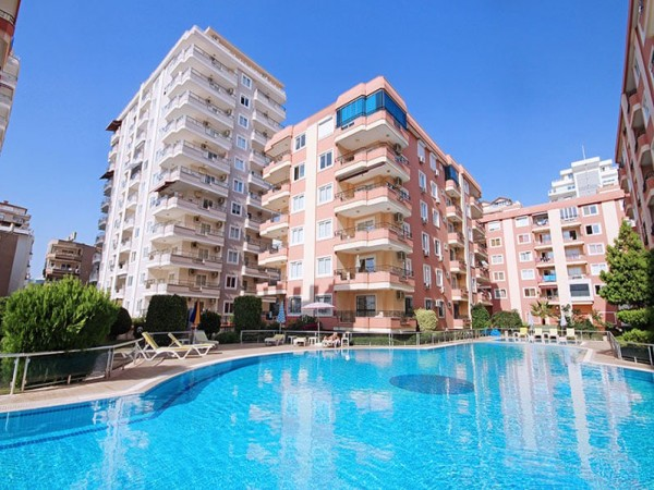 Large fully furnished 2 bedroom apartment in beachfront complex in Alanya
