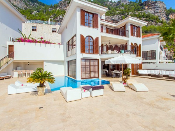 The most elegant villa for sale in Alanya!