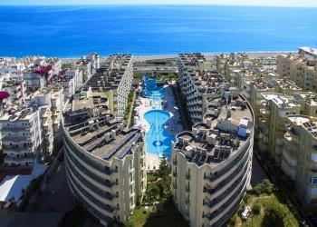 Апартаменты с видом на море в комплексе в Махмутларе
