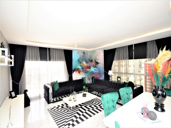 Very nicely decorated 2 bedroom apartment for sale in Alanya