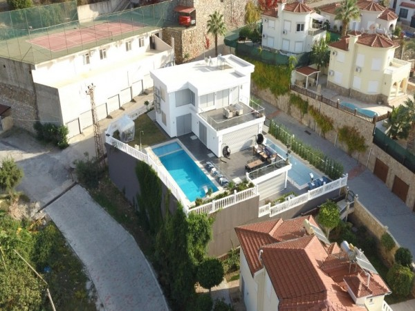 Exceptional luxury villa with large living surface for sale in Alanya