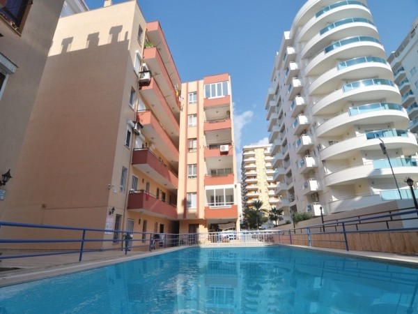 Charming 2 bedroom apartment for incredible price!!!