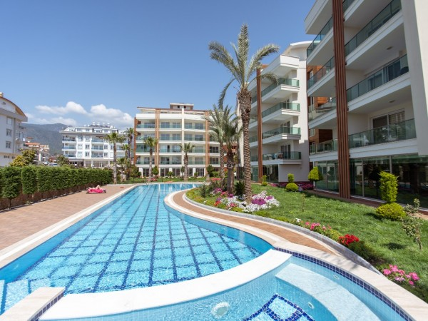 Spacious 2 bedroom apartment in luxury residential complex for sale in Alanya