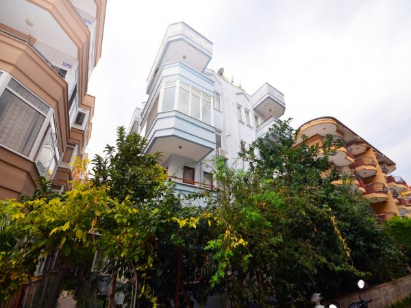 Cozy 1 bedroom apartment for sale in popular neighborhood of Alanya