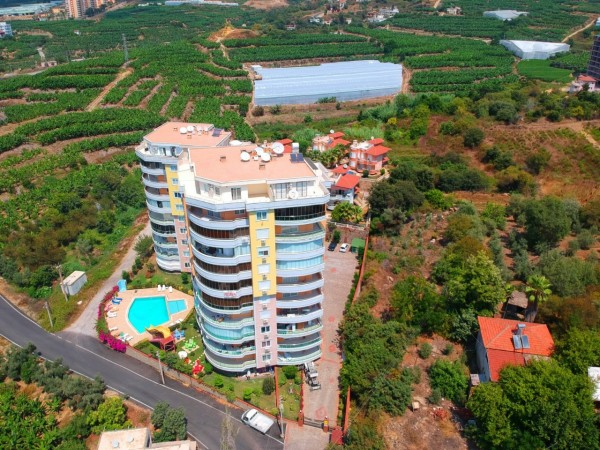 Beautifully decorated 2 bedroom apartment for sale in Alanya