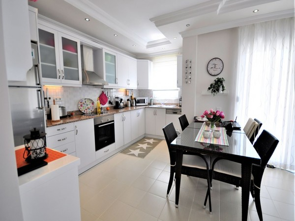 Nicely furnished 2 bedroom apartment with large living surface in Alanya