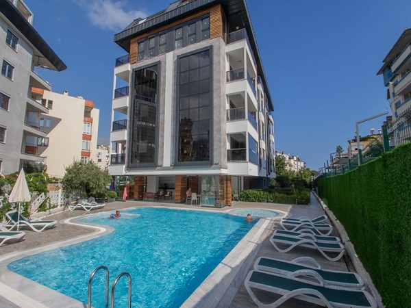Stunning 3 bedroom penthouse apartment for sale in centre Alanya