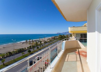 Penthouse with 3 bedroom and amazing views for sale in Alanya