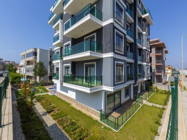 Modern fully furnished 1 bedroom apartment in new complex in Alanya