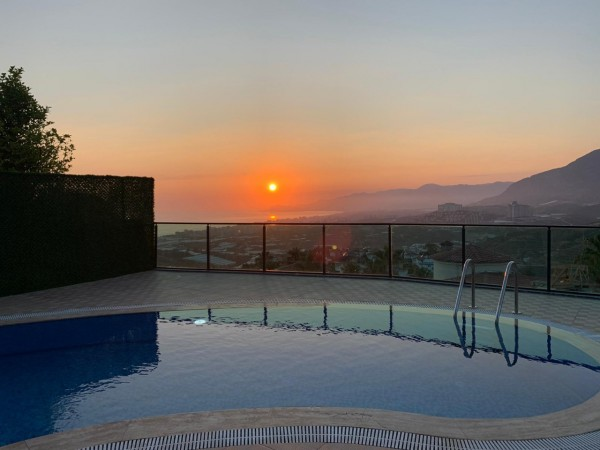 Spectacular private villa for sale on the hills of Alanya