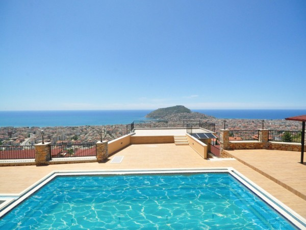 Luxury penthouse with exceptional views of Alanya