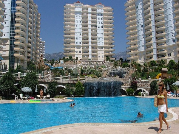 Spacious 4 bedroom penthouse with breathtaking views in Alanya