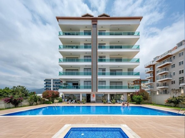 Spacious 1 bedroom apartment fo sale in Alanya