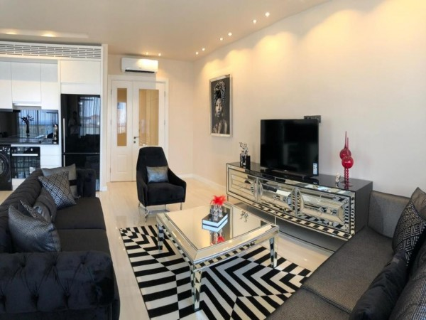 Luxurious & fully furnished 3 bedroom penthouse for sale in Alanya