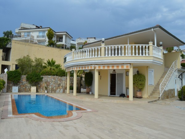 Beautiful 3 bedroom private villa with amazing views for sale in Alanya