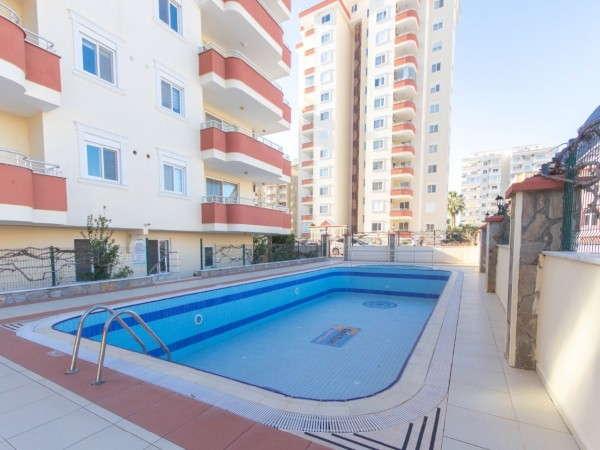 4 bedroom penthouse with nice views and large living surface for sale in Alanya