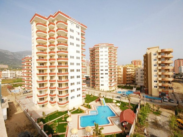Very spacious 4 bedroom penthouse with lovely views for sale in Alanya